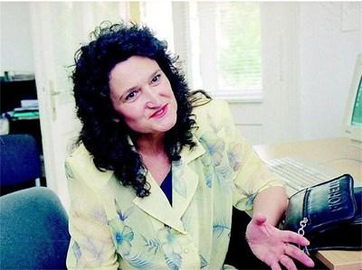 Д-р Антоанета Томова, онколог, завежда отделение по химиотерапия в онкологичния диспансер в Пловдив. Тя отговаря на въпроса на Кирил Пенев