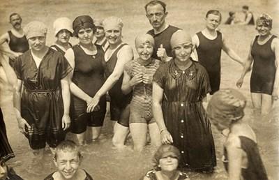 Плажна мода от 20-те години на XX век