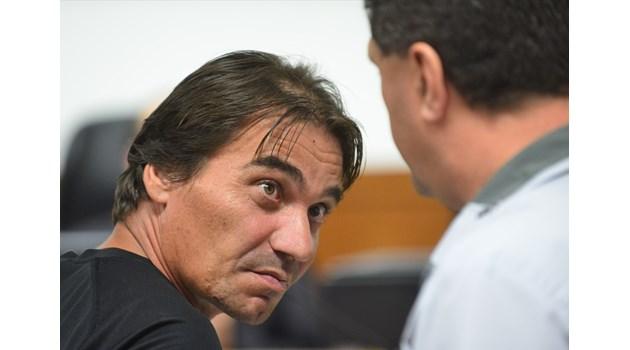 Мъжът, помел с такси 11 коли в София, карал без книжка 24 години