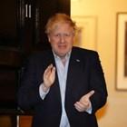 Премиерът Борис Джонсън, който бе заразен и от седмица е в самоизолация, също излезе пред резиденцията си, за да ръкопляска. СНИМКА: РОЙТЕРС