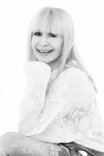 Лили Иванова, Фотограф: Костадин Кръстев-Коко