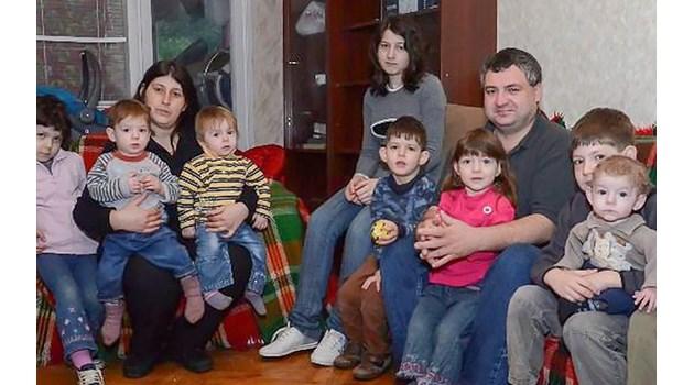 3 жестоки трагедии в живота на семейство с 11 деца