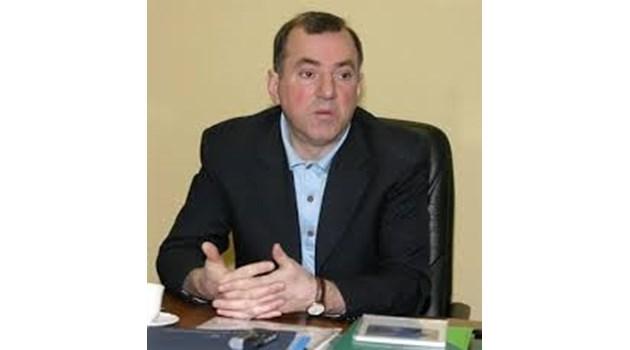 Стоян Александров преживял тежко  обвиненията в лихварство, приятели смятат,  че са косвена причина за смъртта му