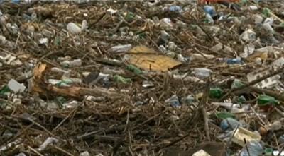 250 курса нужни за извозване на боклука от плаващото сметище в Искър КАДЪР: БНТ