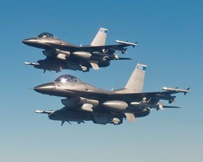 Пандемията няма да забави доставката на първите 8 F-16.