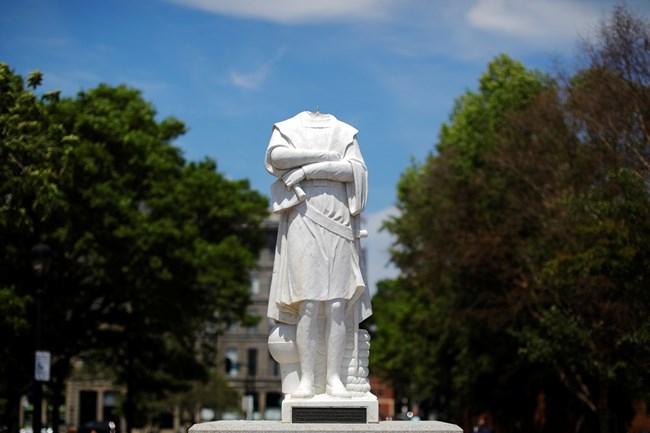 Вандалски прояви в САЩ срещу три статуи на Христофор Колумб (Видео ...