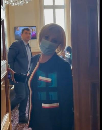 Мая Манолова към пиара на ГЕРБ Никола Николов: Доносник! Съди ме!