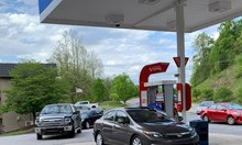 Свършва бензинът в САЩ, опашки и паника