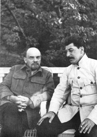 В. И. Ленин и Сталин през 1922 година СНИМКИ: УИКИПЕДИЯ