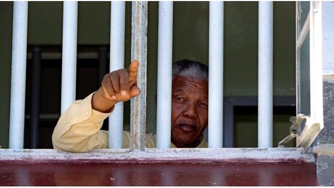 Нелсън Мандела - свободният затворник (Видео) - 24chasa.bg