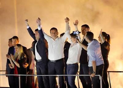 Новият кмет на Истанбул Екрем Имамоглу СНИМКА: Ройтерс