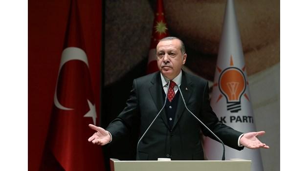 Ердоган: Още не сме милионери, но с обезщетенията за клевета може и да станем