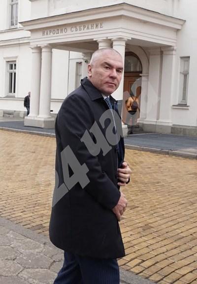Веселин Марешки напусна парламента  СНИМКА: Десислава Кулелиева СНИМКА: 24 часа