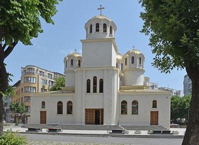 Новият варненски храм