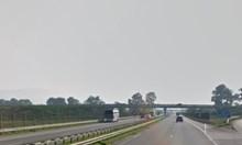 """Шофьор пометен от полски тираджия в аварийната лента на """"Хемус"""""""