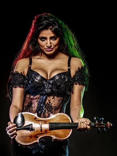"""Ава-Ребека Рахман ще свири заедно с """"Аксепт""""."""