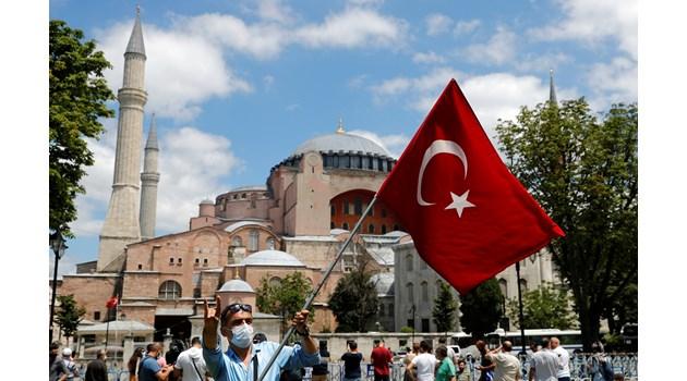 """Ето кой е софиянецът, построил величествения храм """"Света София"""" в Истанбул"""