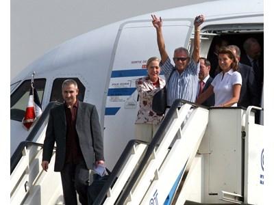 Преди 14 години, на 24 юли 2007 г. малко преди 10 ч сутринта, българските медицински сестри и лекарите Здравко Георгиев и Ашраф ал Хаджудж се завърнаха в България на борда на френски правителствен самолет, придружавани от Сесилия Саркози - съпруга на тогавашния френски президент, и външния комисар на ЕС Бенита Фереро Валднер.