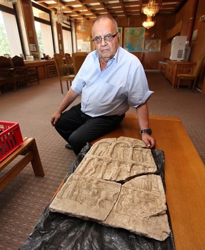 Проф. Божидар Димитров ще бъде изпратен в Националния исторически музей, чийто директор бе дълги години и допринесе много за обогатяването на колекциите му.