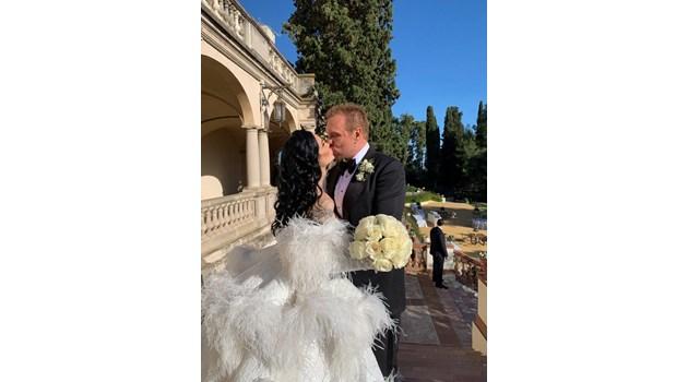 Цеци Красимирова се омъжи като принцеса в старинен замък (Снимки)