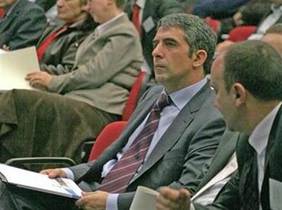 Енергийната ефективност трябвала да стане един от приоритетите на България, твърди строителният министър Росен Плевнелиев.