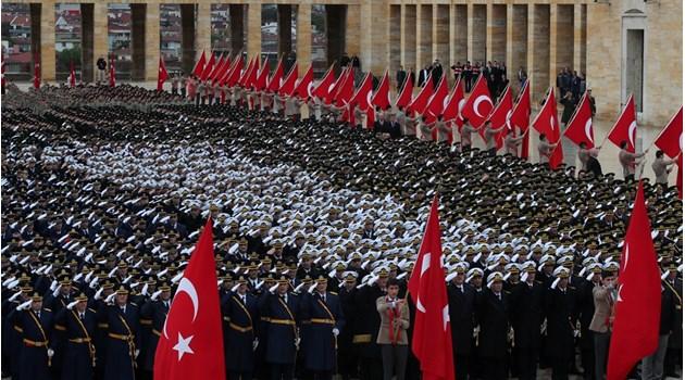 На 29 октомври 1923 г. турският народ със своя живот и кръв показа на целия свят, че няма да позволи на никого да унищожи неговата воля
