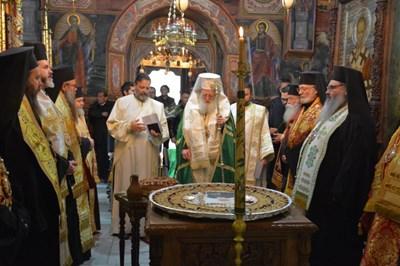 В Троянската света обител бе отбелязана 6-годишнината от кончината на патриарх Максим.