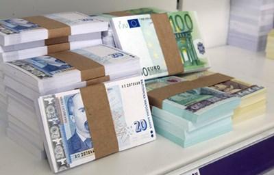 """Собственикът на """"Виваком"""" иска да купи и  вестниците """"Телеграф"""", """"Монитор"""" и """"Борба"""""""