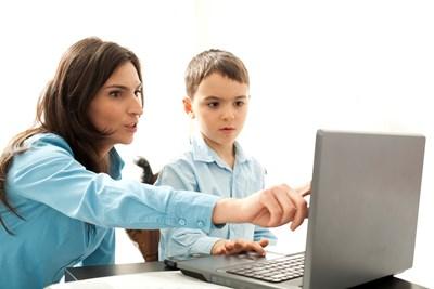 10 стъпки, за да са в безопасност децата в интернет