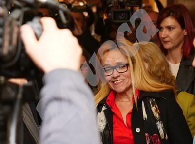 Десислава Иванчева се усмихваше преди да чуе присъдата си. СНИМКИ: Йордан Симеонов СНИМКА: 24 часа