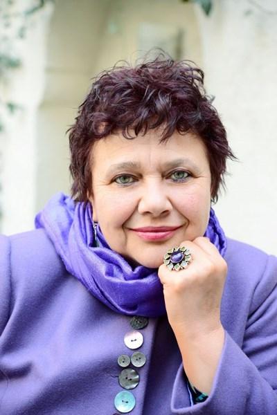Поезията на Мирела Иванова е оценена по достойнство.