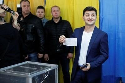 Зеленски гласува Снимка: Ройтерс