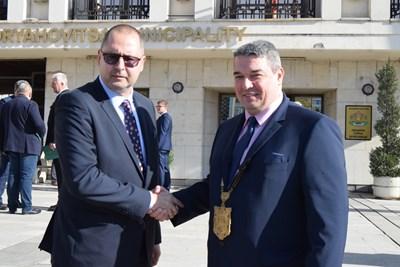 Кметът инж.Добромир Добрев и новият председател на общинския съвет Димитър Николов