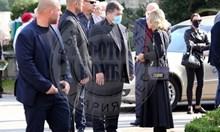 Маджо с маска на погребението на Любен Гоцев (Снимки)