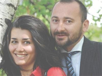 Премиерският съветник Светослав Спасов и бъдещата му съпруга - красивата Деси, са заедно от 4 г. СНИМКИ: РУМЯНА ТОНЕВА И ЛИЧЕН АРХИВ