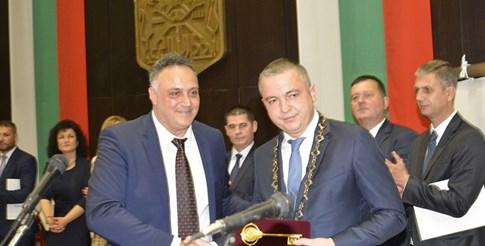 Кметът на Варна Иван Портних и областният управител Стоян Пасев.