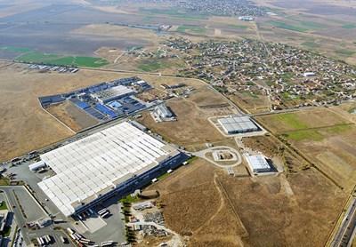 Елитни чужди компании непрекъснато вдигат заводи край Пловдив. СНИМКА: Наташа Манева