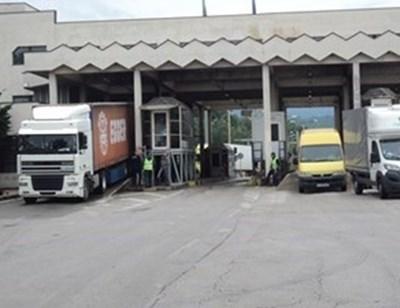 Гърция отвори за туристи, има опашка от коли на ГКПП Кулата