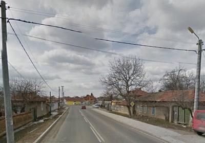 """Изнасилването станало в помещение в стопанския двор на разградското село Ясеновец. Снимка """"Гугъл стрийт вю"""""""