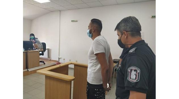 Внукът на Цар Киро, карал пиян, влиза в затвора