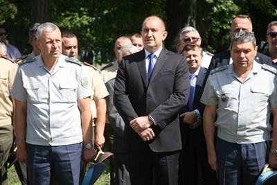 Румен Радев посети авиобаза Граф Игнатиево. Снимка: Евгени Цветков