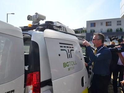 От началото на годината по пътищата има и конролни коли на толполицията, които снимат с камери номерата и проверяват за винетки.