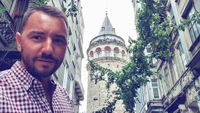 Хекимян пред кулата Галата в Истанбул.  СНИМКИ: ФЕЙСБУК И ИНСТАГРАМ