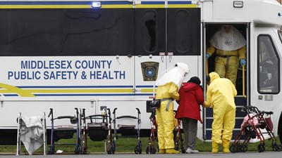 В САЩ случаите на коронавирус са над 60 000, а починалите са 827