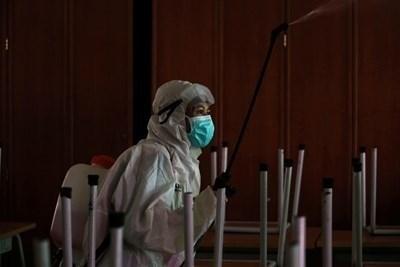 Италиански учени изследват възможна по-ранна поява на новия коронавирус