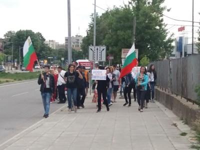 Пореден протест в Силистра срещу движението на тирове в града СНИМКА: Авторката