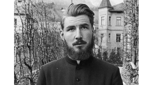 Синът на Борман става свещеник, обвиниха го в насилие
