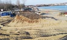 """Вадят нелегални каравани от дюните  на """"Смокиня"""" (обзор)"""