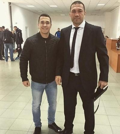 Кубрат Пулев защити дипломната си работа в НСА и вече е бакалавър. СНИМКА: Интаграм/v.alexandrovv