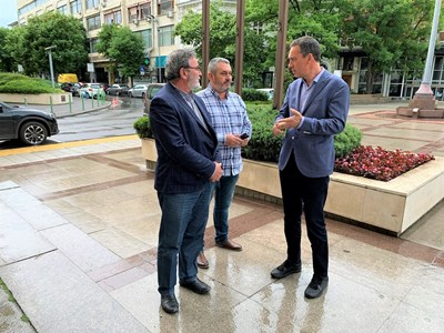Кметът и доц. Кунчев обсъждат мащабното тестване в Бургас.